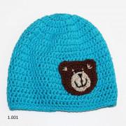 Háčkovaná čepička - modrá s medvídkem
